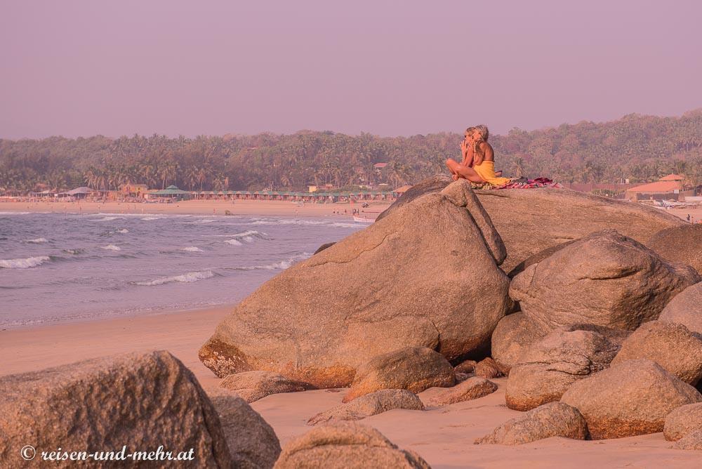Meditation bei Sonnenuntergang, Agonda, Goa