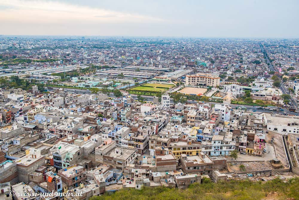 Aussicht auf die Millionenstadt Jaipur