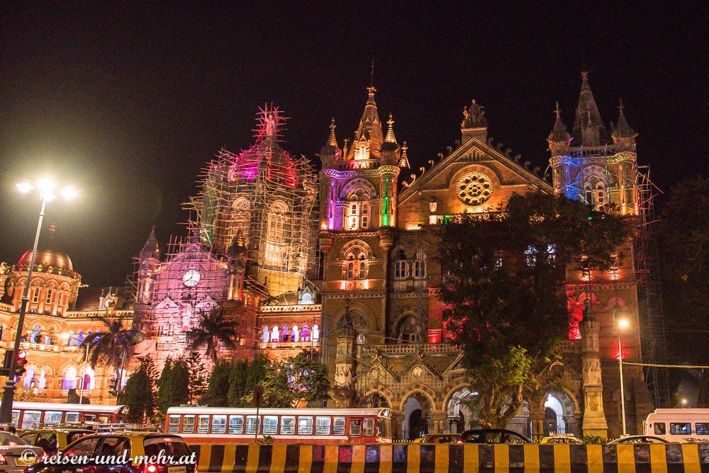 Victoria Station bei Nacht, Mumbai