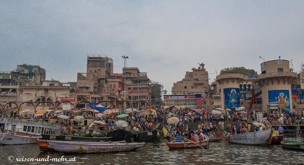 Varanasi am Morgen