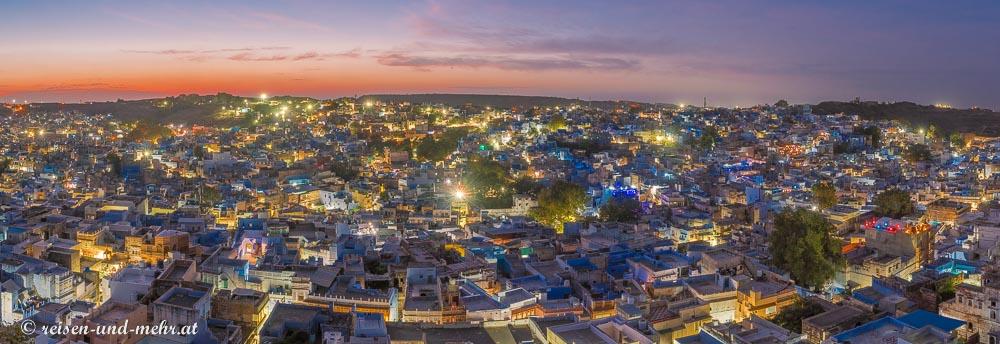 Aussicht auf die Altstadt von Jodhpur vom Sunset Point bei Sonnenuntergang