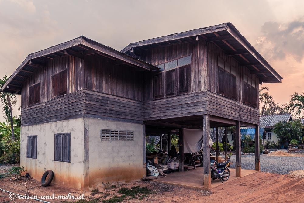 Typisches Landhaus in Pak Chong, Thailand