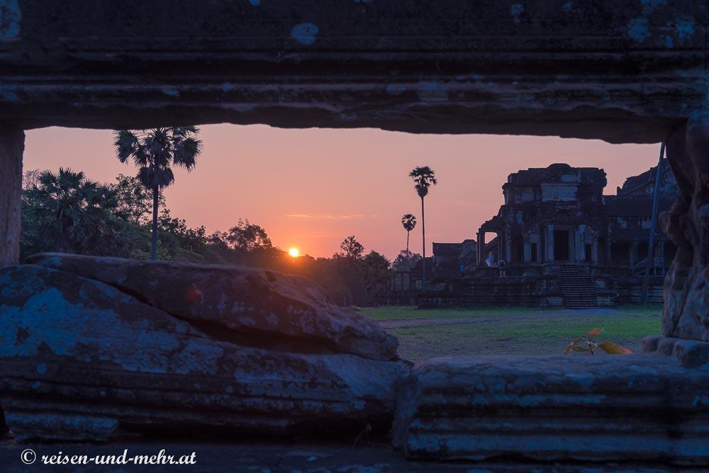 Sonnenaufgang über Angkor Wat, Siem Reap, Kambodscha