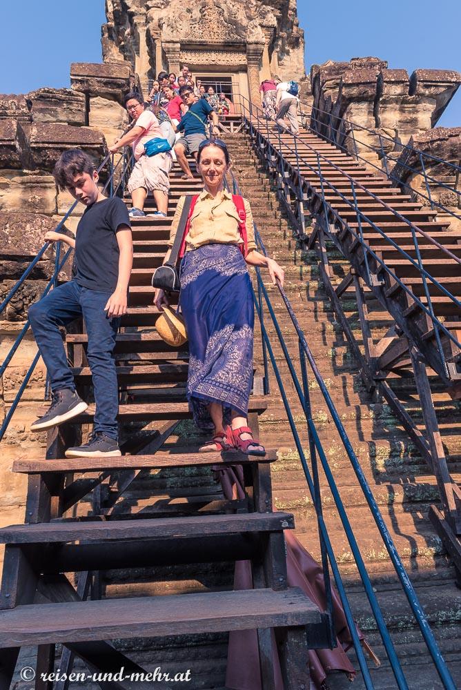 Steile Treppen im Angkor Wat, Siem Reap, Kambodscha