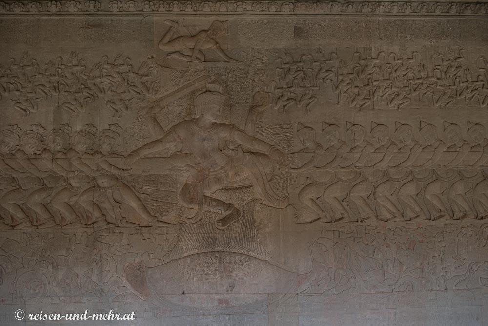 Relief im Angkor Wat über den Milchozean, das Tauziehen der Nagaschlange, Siem Reap, Kambodscha
