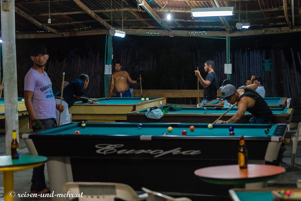 Billardspieler in Villavieja